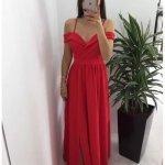 Червена дълга рокля