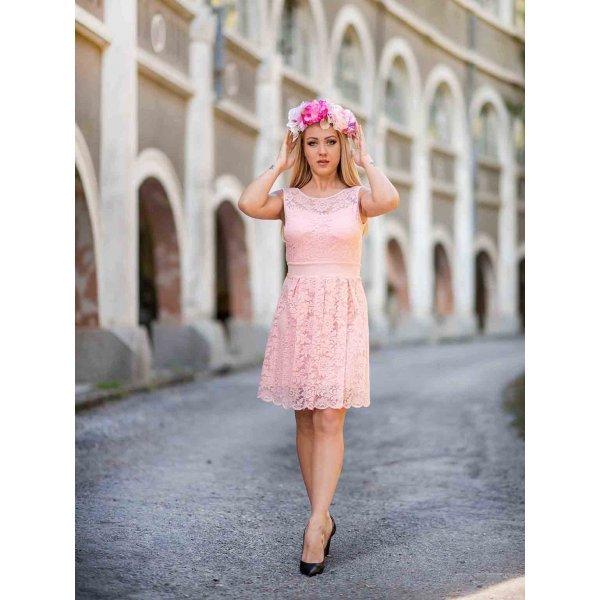 Дантелена рокля розова
