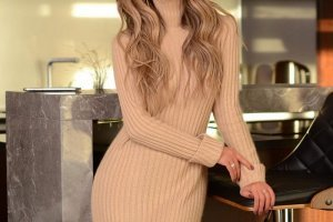 Модерни плетени рокли за зима 2021