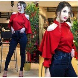 Червена блуза с отворени рамене