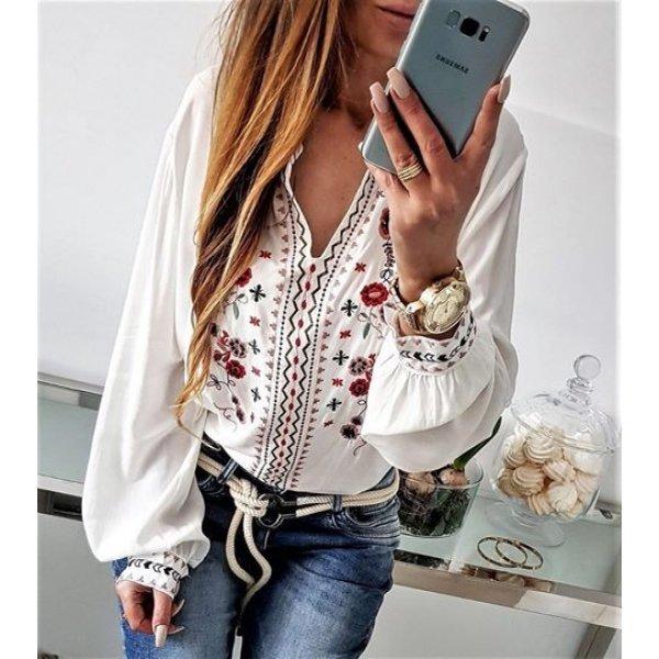 Блуза с етно-мотиви