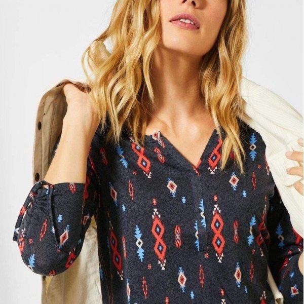 Блуза за пролетта Cecil