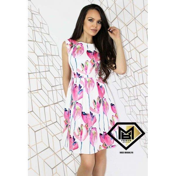 Лятна разкроена рокля