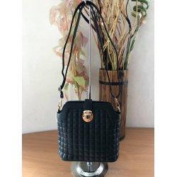 Черна чантичка с дълга дръжка