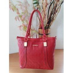 Червена лятна чанта