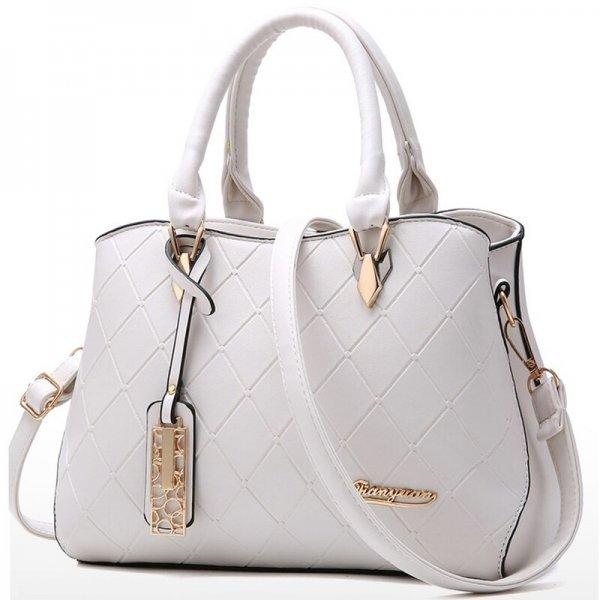 Бежова чанта среден размер