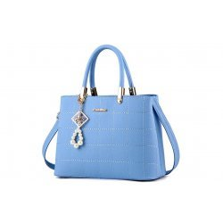 Светло синя чанта