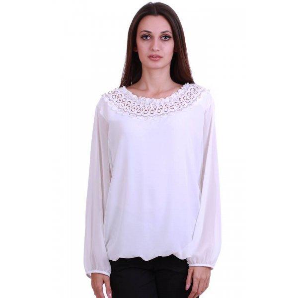 Блуза с дантела и перли