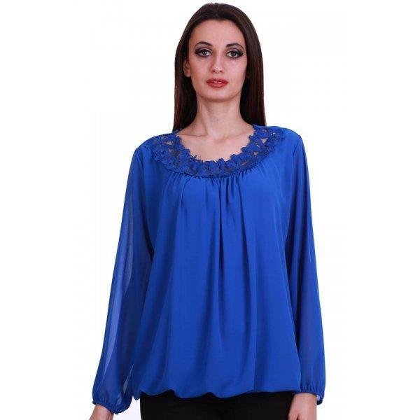 Блуза с дантела кралско синя