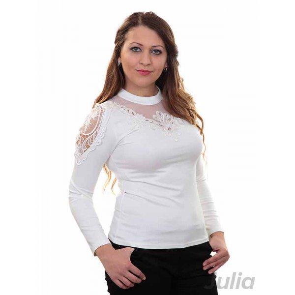 Блузка с дантела бяла