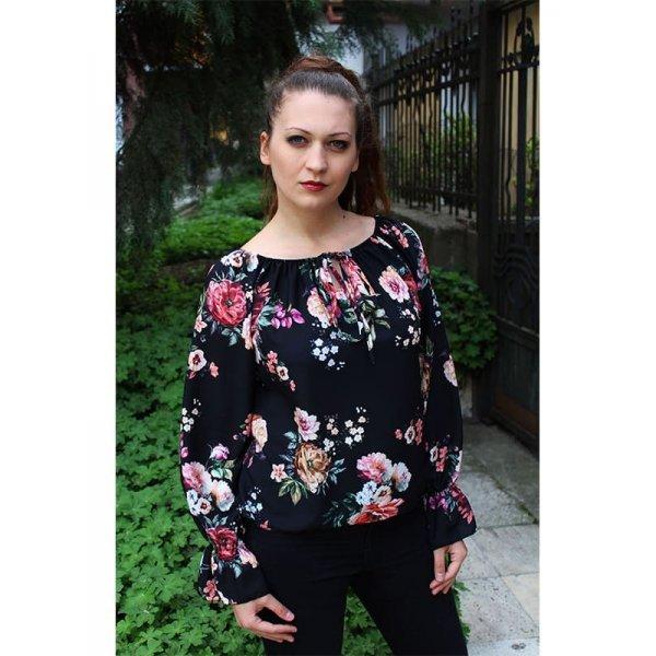 Блузка на цветя черна