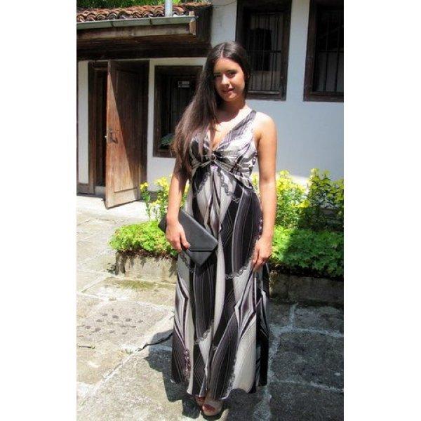 Дълга рокля онлайн с гол гръб