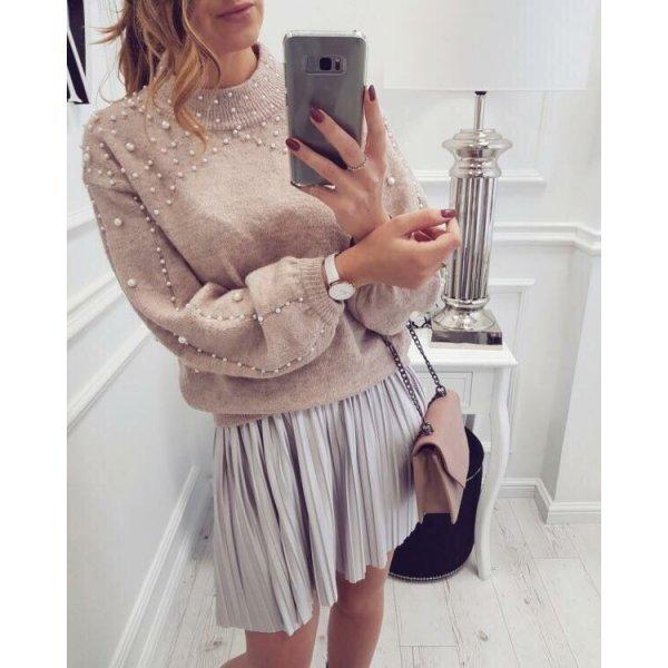 Плетен пуловер с перли