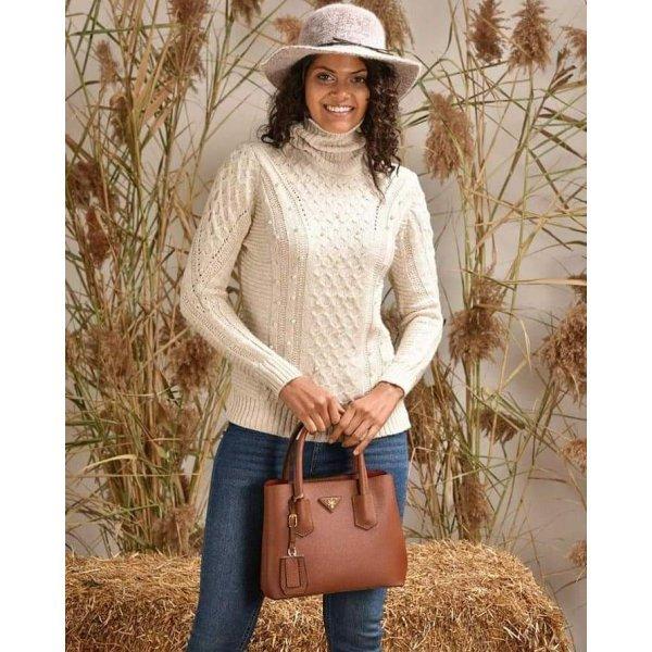 Плетен пуловер с перлички