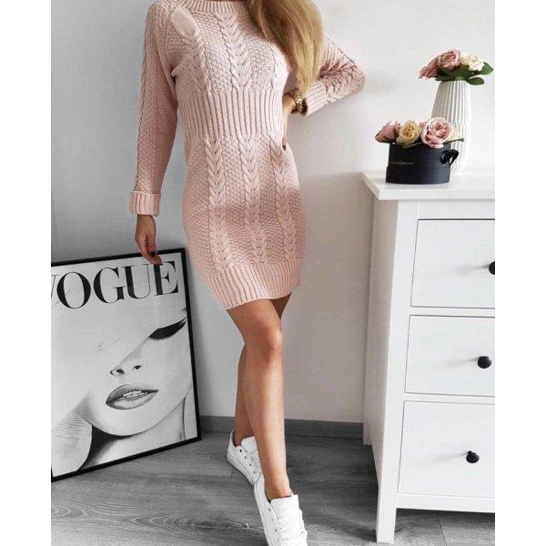 Розова плетена рокля