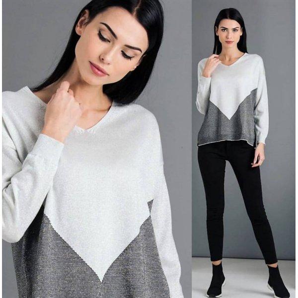 Блуза със сребриста нишка