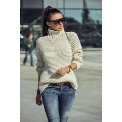 Плетен пуловер бежов