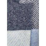 Топла карирана жилетка