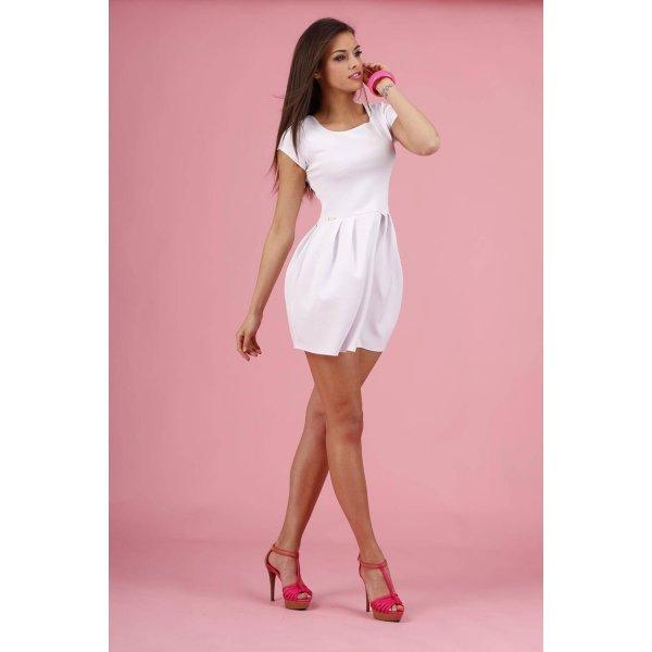 Бяла рокля с къс ръкав