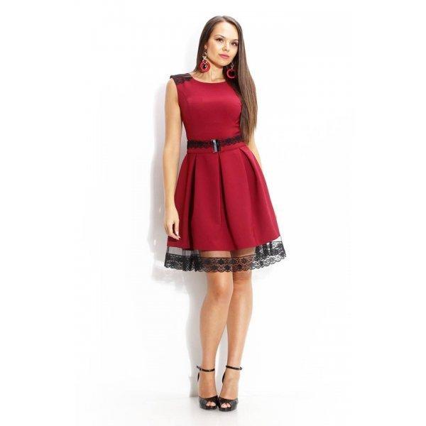Разкроена рокличка цвят бордо