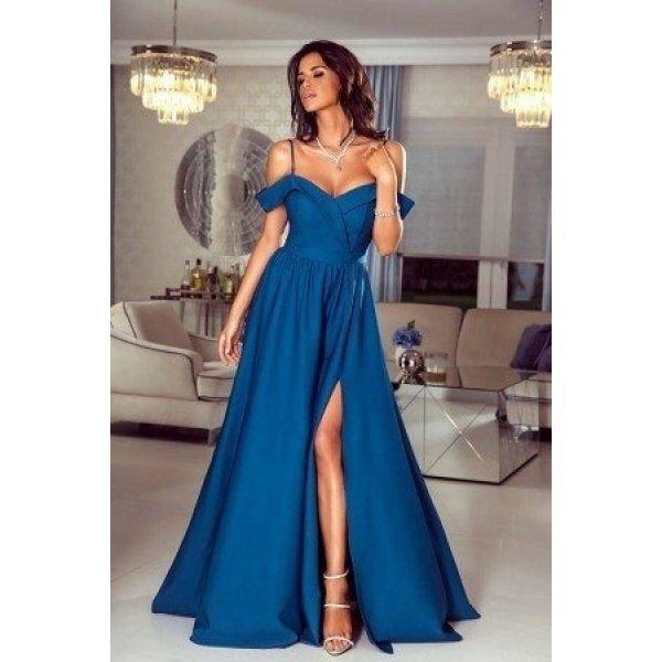 Кралскосиня официална рокля