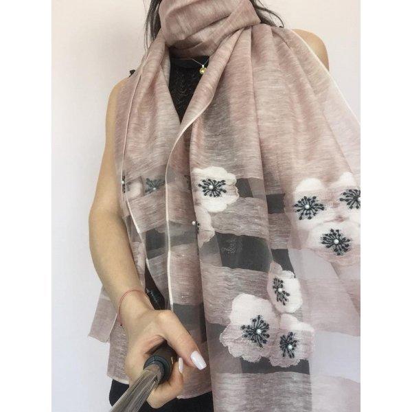 Дамски шал цвят пудра