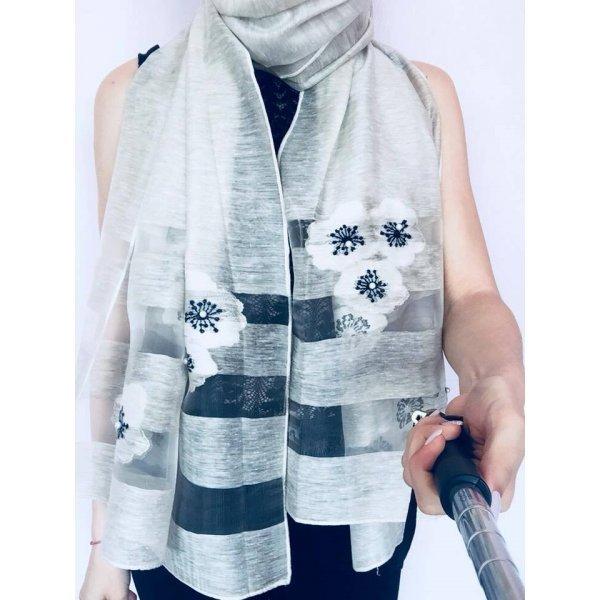 Дамски шал елегантен
