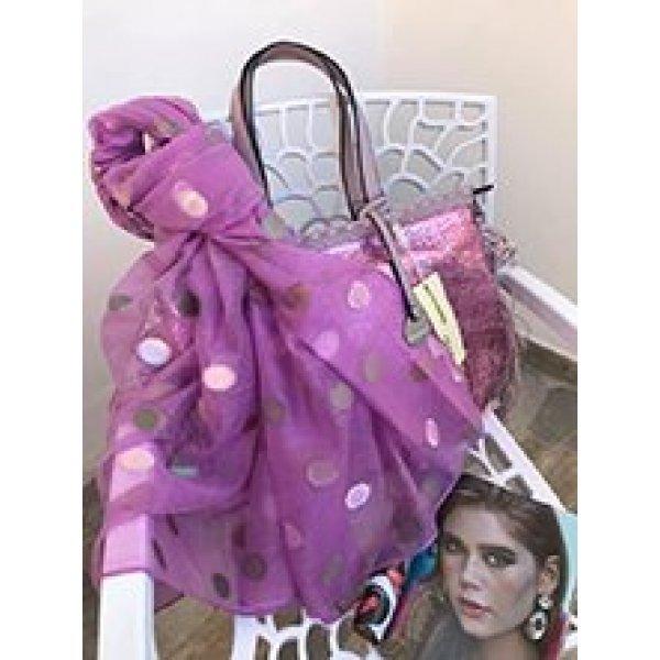 Копринен шал на точки в лилаво