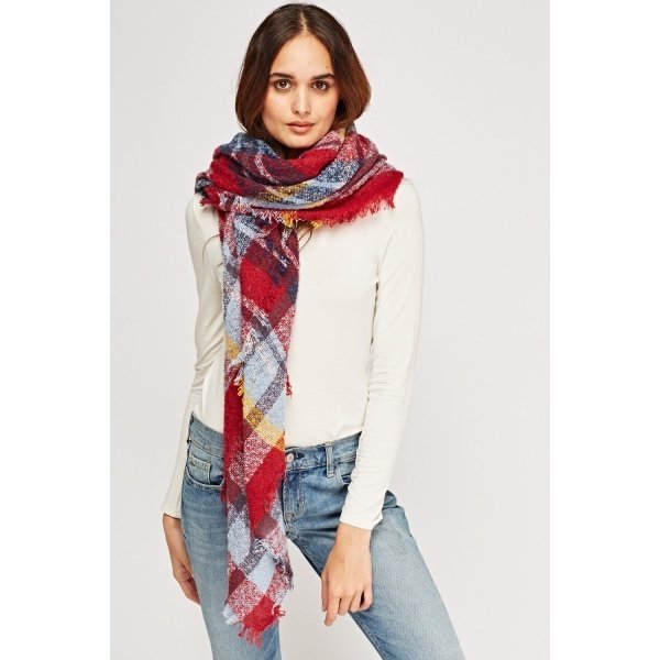 Квадратен дамски шал