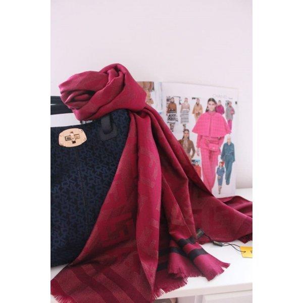 Марков шал на Fendi