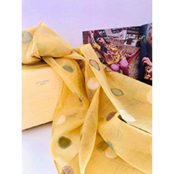 Жълт шал на точки от коприна