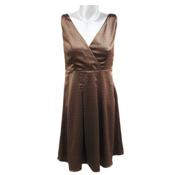 Сатенена разкроена рокля